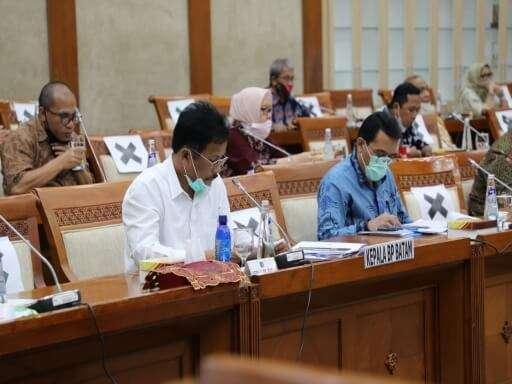 Kepala BP Batam Muhammad Rudi Paparkan Kinerja BP Batam di Komisi VI DPR RI-06