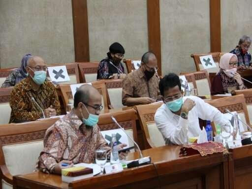 Kepala BP Batam Muhammad Rudi Paparkan Kinerja BP Batam di Komisi VI DPR RI-09