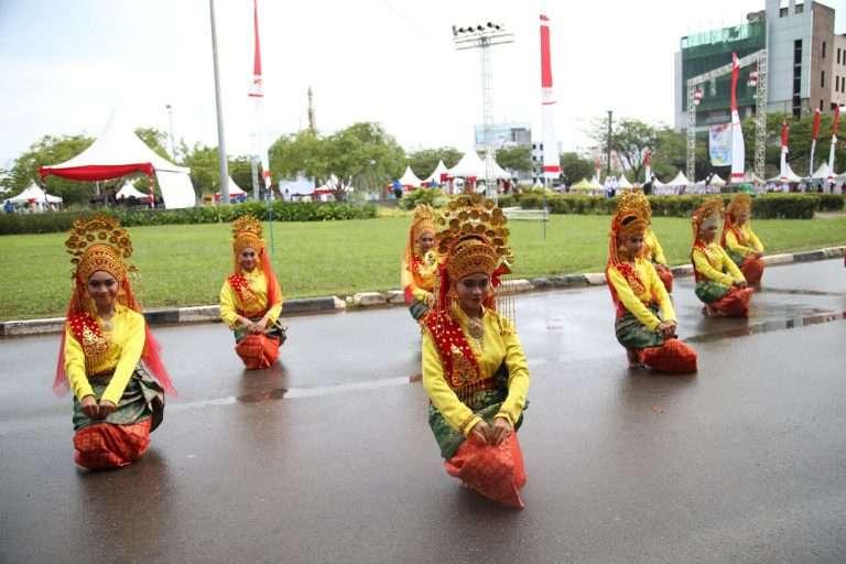 Tari-Persembahan-Khas-Melayu-(1)